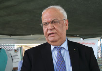 PLO EXECUTIVE COMMITTEE secretary-general Saeb Erekat speaks in Khan al-Ahmar on Thursday.