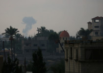 Smoke rises following an Israeli air strike in the southern Gaza Strip October 17, 2018
