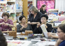 Hasia Naveh leading her quilt-making workshop