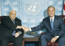 FORMER PRIME minister Ariel Sharon (left) meets with then-US president George W. Bush during the 200