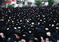 HAREDIM GATHER en masse in Bnei Brak. Is their leadership's political model sustainable?