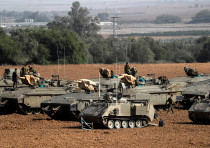 IDF tanks along the Gaza border