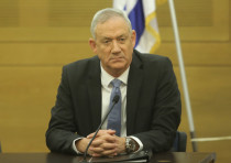 Blue and White leader Benny Gantz at a faction meeting at the Knesset, November 18, 2019