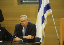 Blue and White leader Benny Gantz at a faction meeting in the Knesset