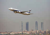 An El Al Israel Airlines Boeing 737-900ER airplane takes off from the Adolfo Suarez Madrid-Barajas a