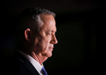 Blue and White leader Benny Gantz attends the Knesset's Remembrance Day service, April 26, 2020