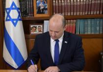 Prime Minister Naftali Bennett at work in the Prime Minister's Office, June 14, 2021.