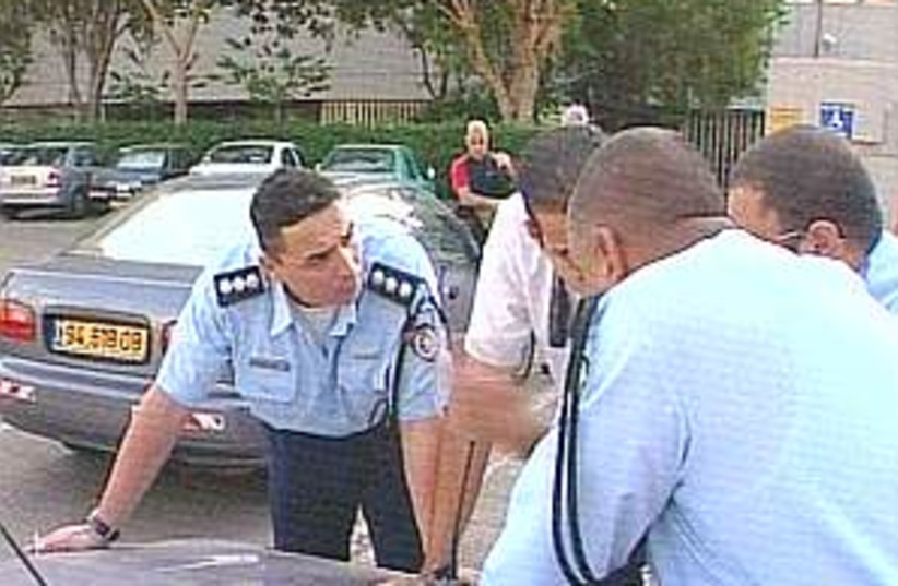 police hunt sela (photo credit: Channel 10)