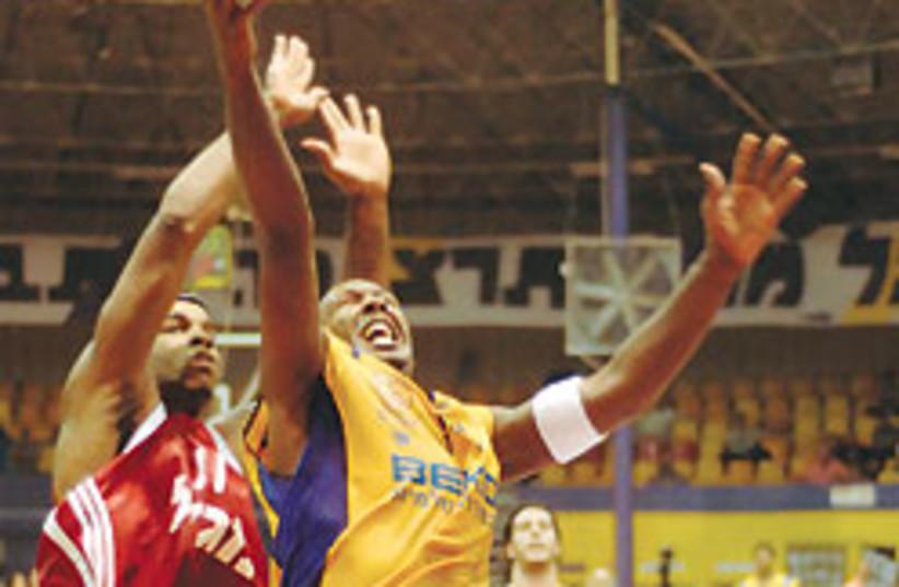 basketball hapoel jerusalem holon 248 (photo credit: Asaf Kliger)