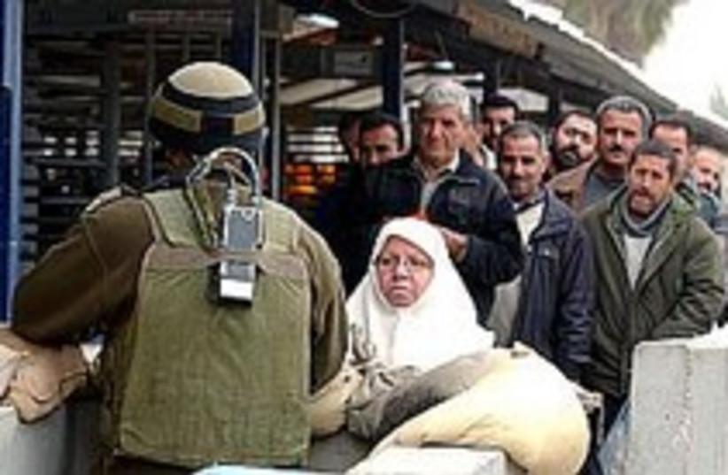 checkpoint nablus 224.88 (photo credit: Ariel Jerozolomski)