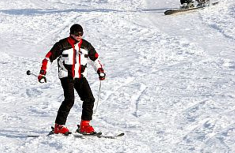skiing in Hermon 298.88 (photo credit: Ariel Jerozolimski)