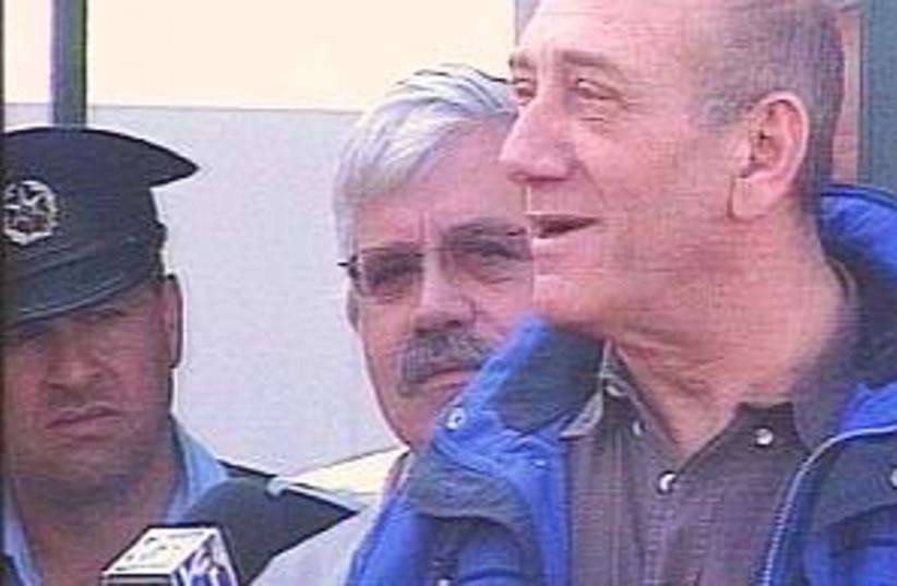 Olmert interrogat 298.88 (photo credit: Channel 2)
