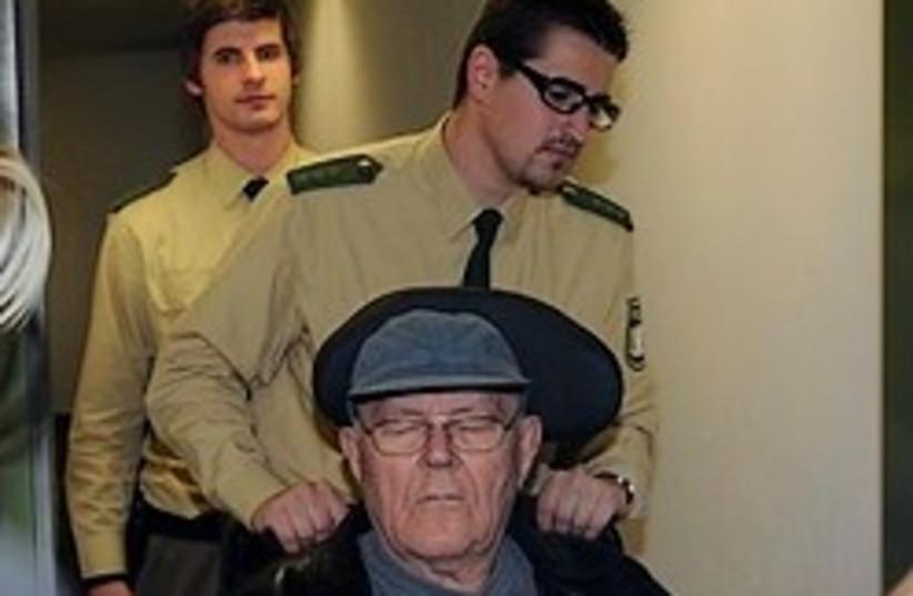 Demjanjuk in munich court 248.88 ap (photo credit: AP)