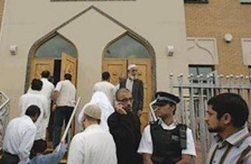 british muslims 224.88 (photo credit: AP [file])