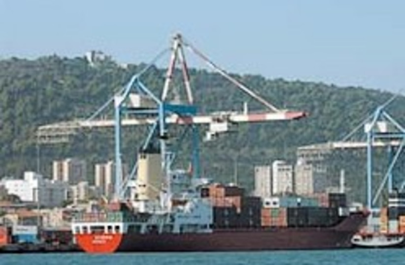 exports haifa port 248 88 aj (photo credit: Ariel Jerozolimski)
