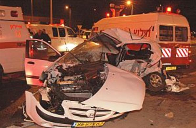 lod crash 298.88 (photo credit: Courtesy of Hatzala)