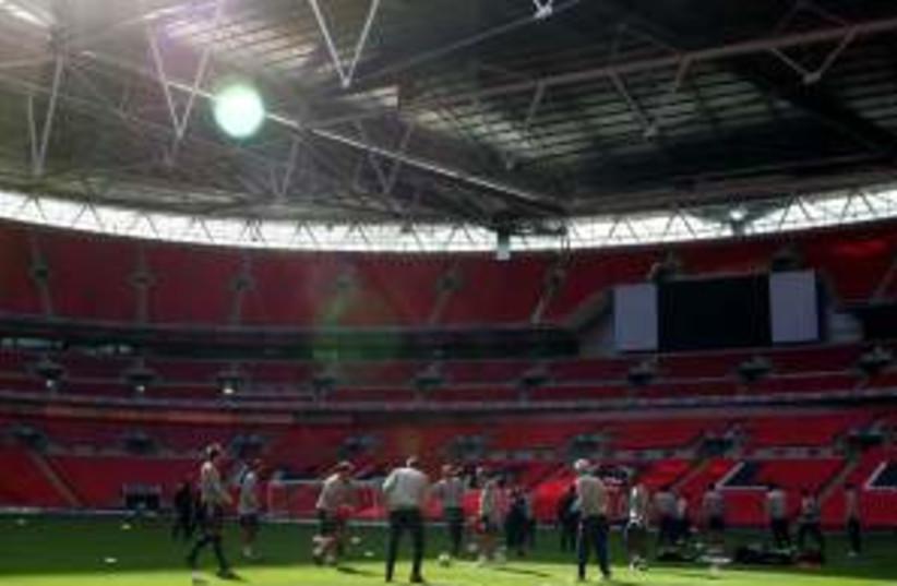 Wembley 298.88 (photo credit: AP)