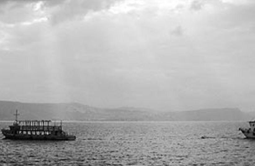 Lake Kinneret (photo credit: SHMUEL BAR-AM )