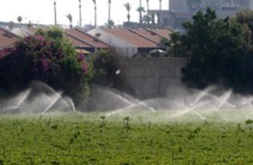 irrigation water 248.88 (photo credit: Ariel Jerozolimski)