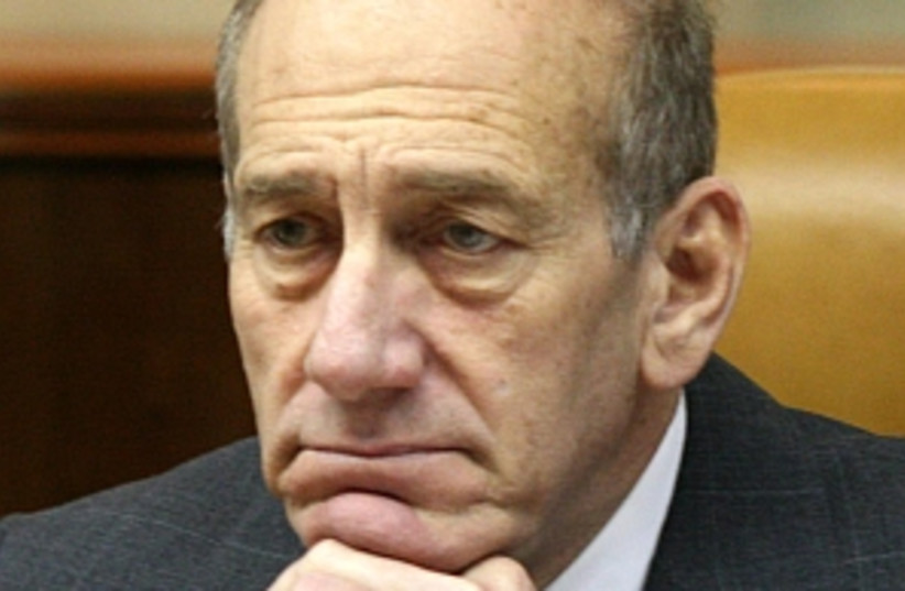 Olmert worried 298.88 (photo credit: Ariel Jerozolimski)