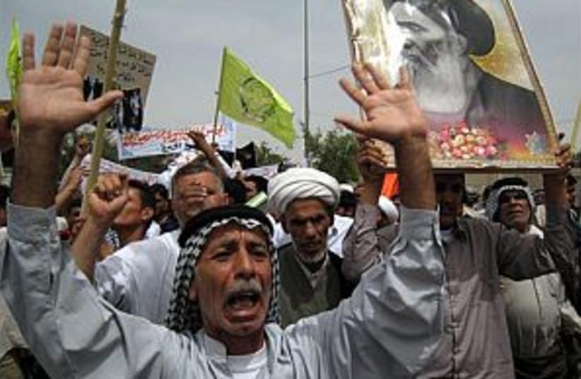 iraq protest 298.88 (photo credit: AP)
