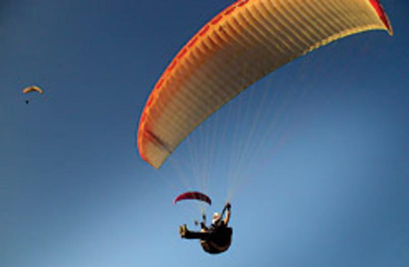 Paragliding in Israel presents the unique risks of (photo credit: ARIEH O'SULLIVAN)