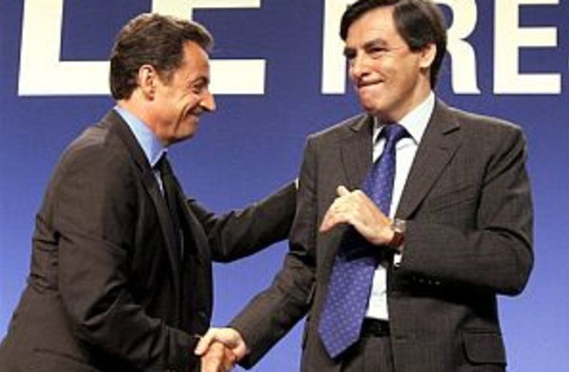 Sarkozy fillon 298 88 (photo credit: AP)