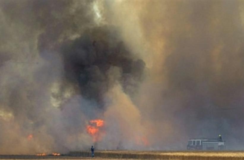 Kassam smoke 298.88 (photo credit: AP)
