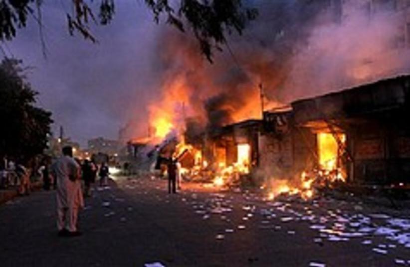 pakistan bomb 248 88 ap (photo credit: AP)