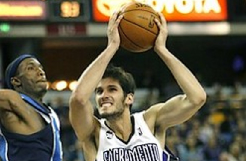 casspi nba where is the basket (photo credit: )