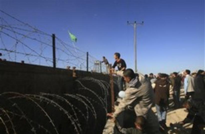 hamas protest gaza egypt 248.88 (photo credit: )