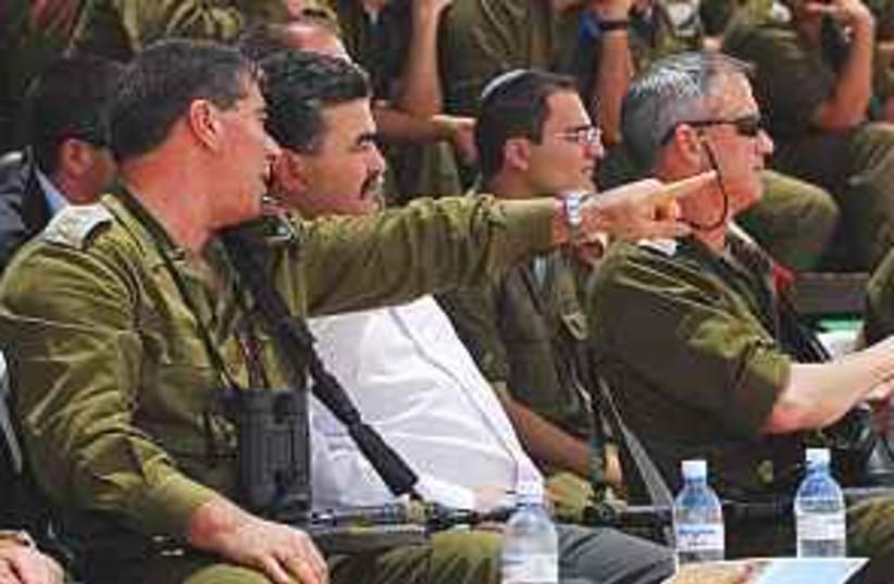 Ashkenazi Peretz drill  (photo credit: IDF)