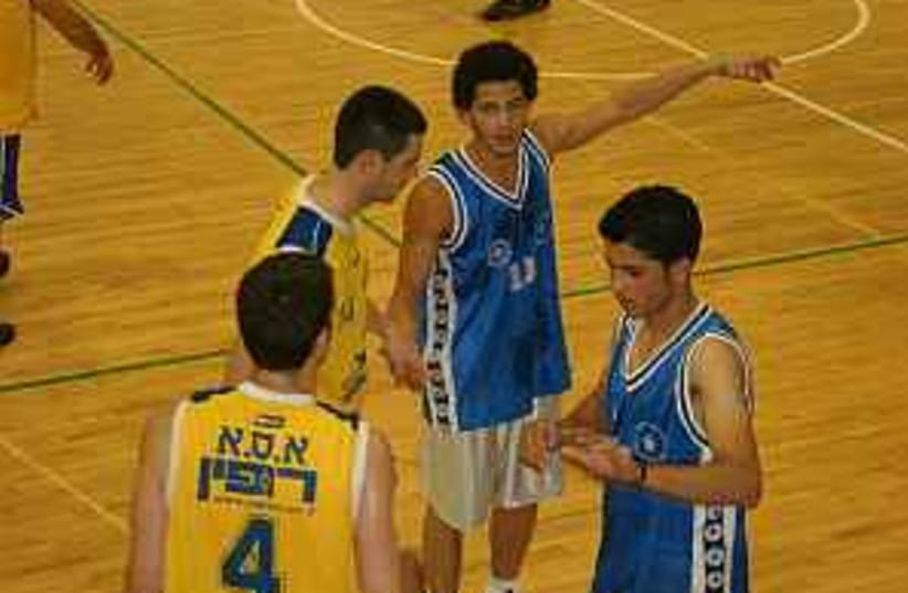 isr-pal basketball 298  (photo credit: )