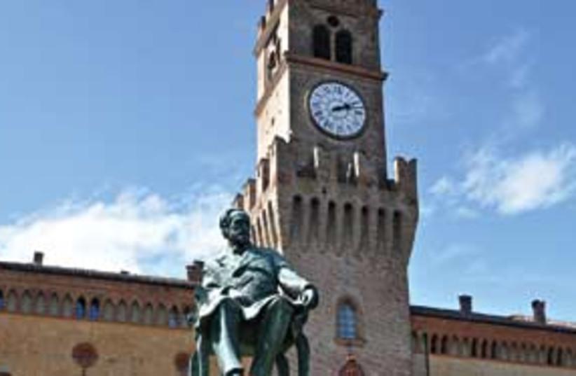 Verdi Italy Building and Statue (photo credit: Irving Spitz)