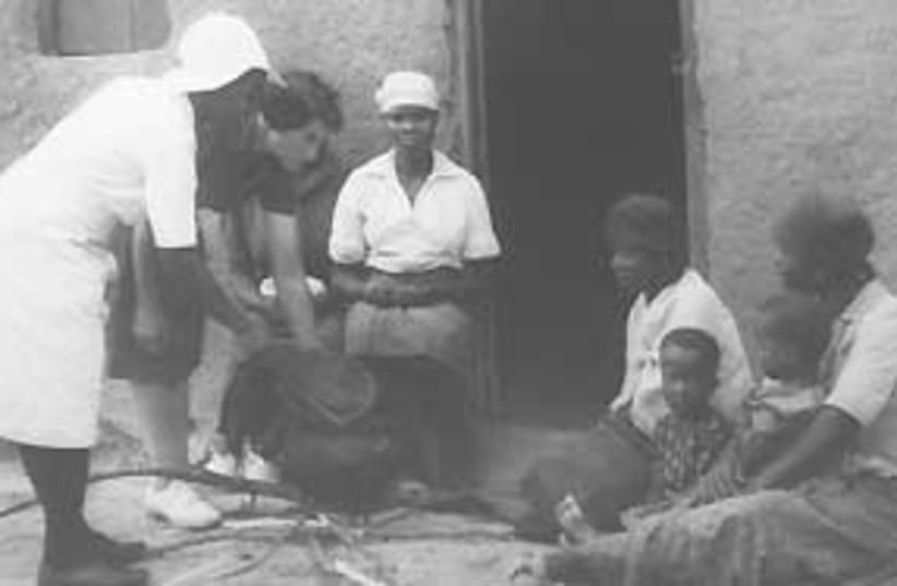 Emily Kark helps S. Africans in 1950s (photo credit: Judy Siegel Itzkovich)