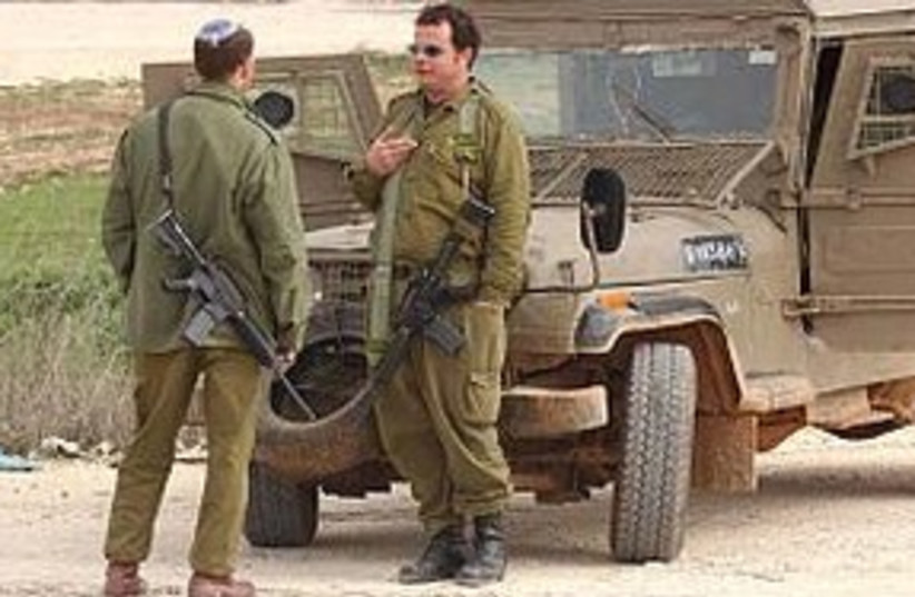 reserve soldiers 311 (photo credit: Ariel Jerozolimski )