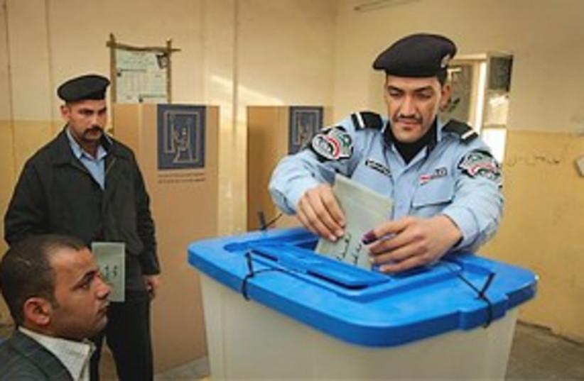 Iraqi vote 311 (photo credit: Associated Press)