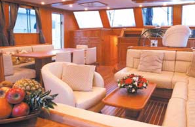 private yacht 88 298 (photo credit: Courtesy)