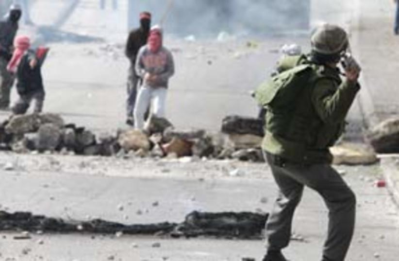 east jerusalem riot arab 311 (photo credit: Ariel Jerozolimski)