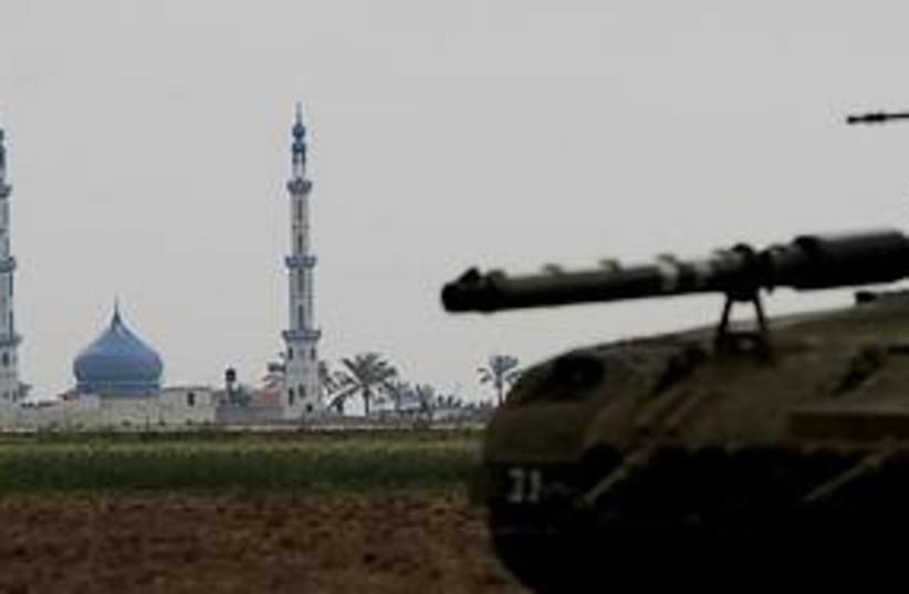 gaza strip idf tank 311 (photo credit: ASSOCIATED PRESS)