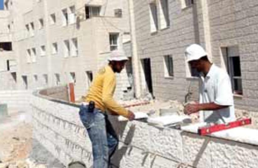 Palestinian workers 6311 (photo credit: Ariel Jerozolimski)