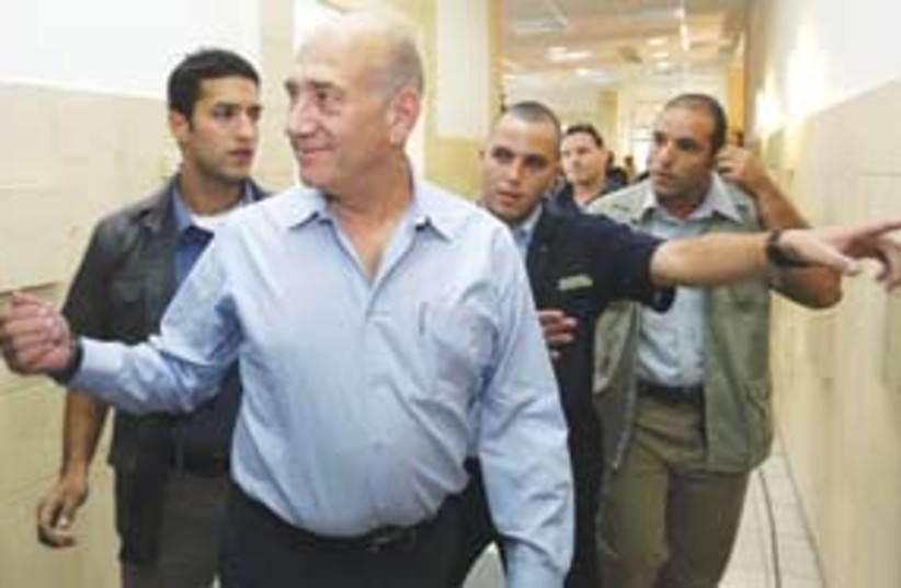 Olmert at court (photo credit: Associated Press)