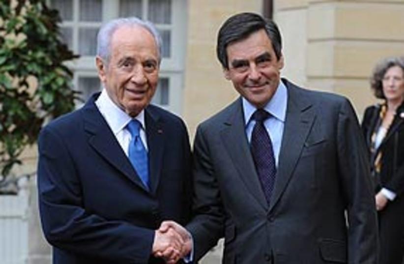 Peres Fillon 311 (photo credit: Amos Ben Gershom / GPO )