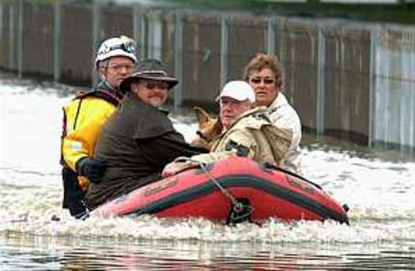 Britain flood 298.88 (photo credit: AP)