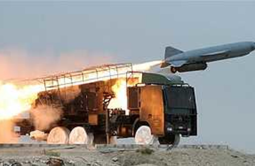 iranian missile 311 (photo credit: AP)