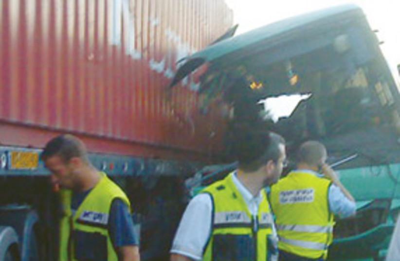 egged bus crash 311 (photo credit: Nati Shapira/ Zaka rescue and recovery organizatio)