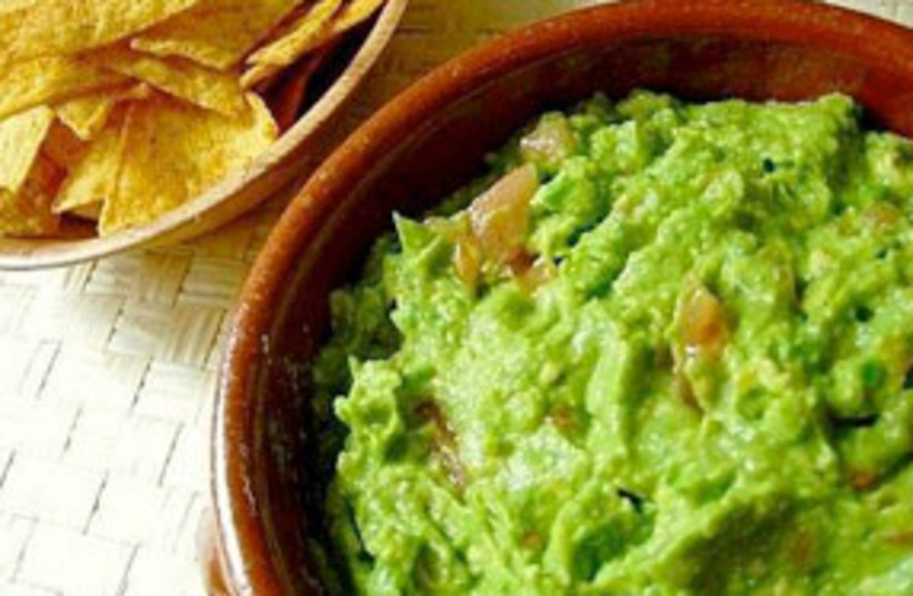 guacamole (photo credit: GOURMETKOSHERCOOKING.COM)