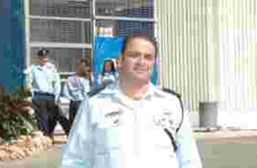 Policeman 'Shuki' Sofer zal 311 (photo credit: Israel Police)