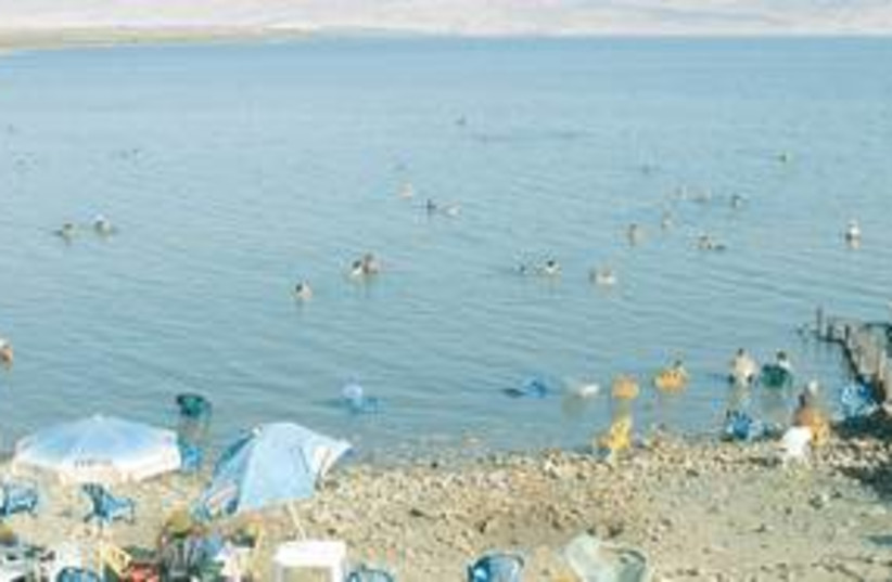 dead sea 311 (photo credit: Ariel Jerozolimski/The Jerusalem Post))