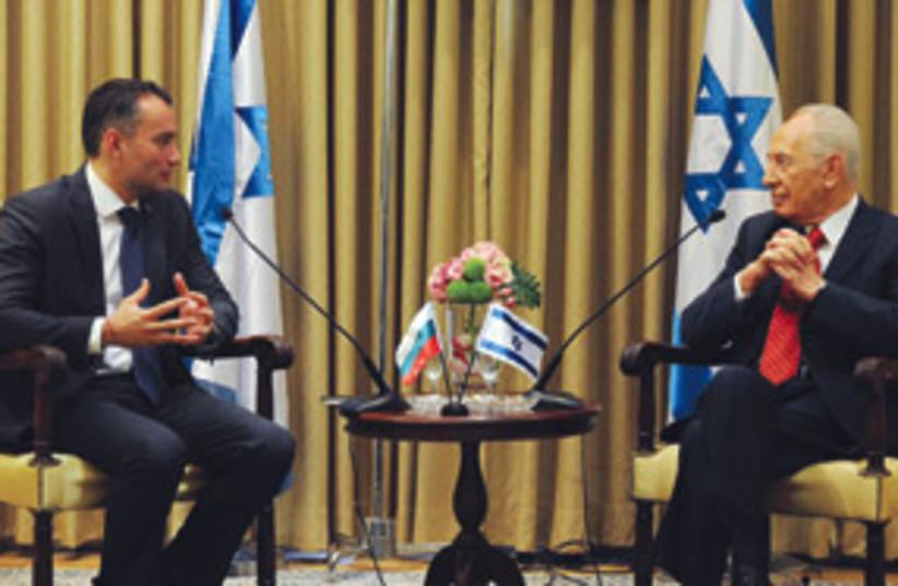 Nikolai Mladinov and Shimon Peres 311 (photo credit: AP)